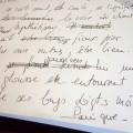 Gros plan sur manuscrit.